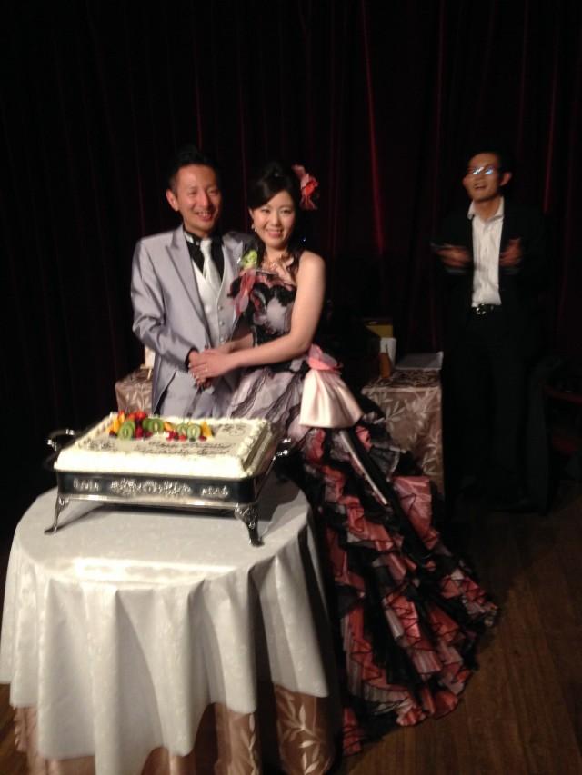 タキシード ドレス姿の新郎新婦です!! お色直しで、オールバックに変身(^-^)/