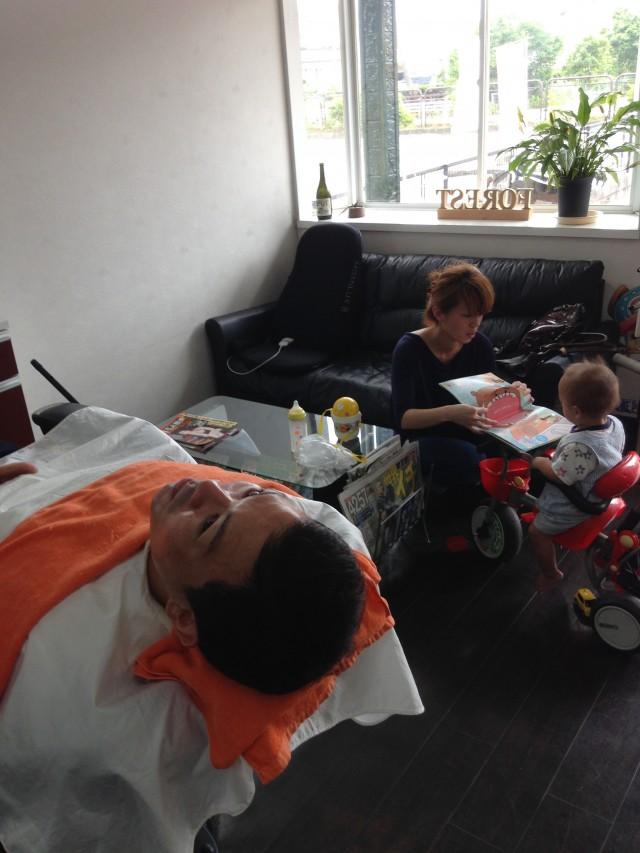 パパもママも、安心して施術する事が出来ます! 保育士完備 キッズスペースもあるので、小さいお子様も面倒を見てもらいながら施術出来ます(^-^)/