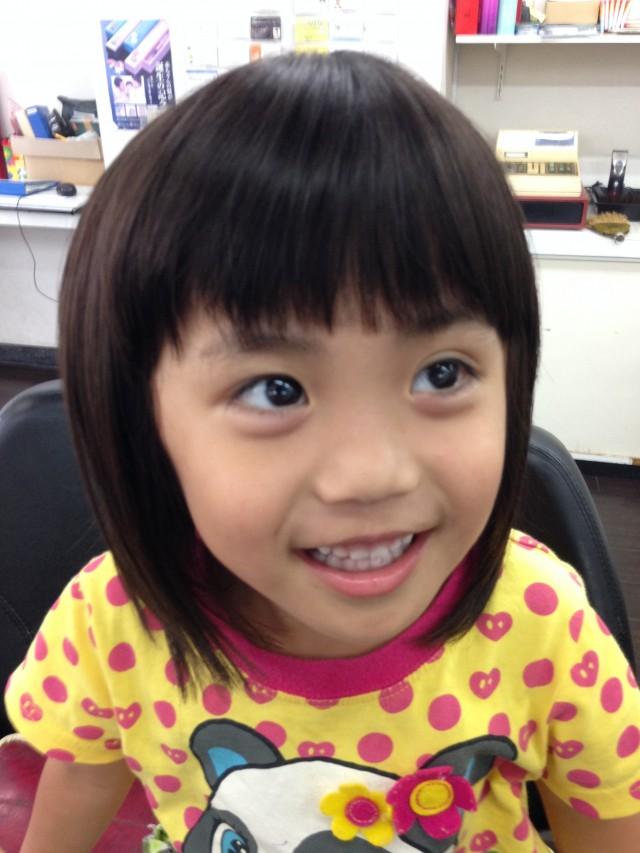 もうすぐ4歳になる女の子です! 夏にぴったりきりっぱなしボブスタイルで可愛いくさっぱり短くです(^-^)/