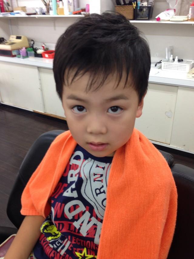 小学一年生のお兄ちゃんは、ノーマルにショートカットでカッコ良くです(^-^)/