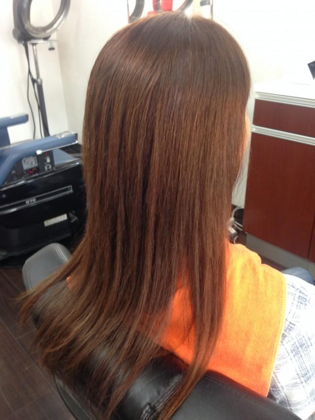 ストレート 縮毛矯正の施術後です! クセも傷みもなくなり、サラサラツルツルです(^-^)/ 台風が多い時期で、クセ毛に困っている方がみえたら是非(^-^)/