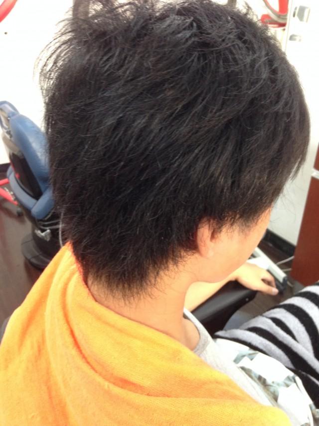 ストレートパーマ 縮毛矯正前です! 短い髪の毛でもストレートにする事が出来ますよ(^-^)/