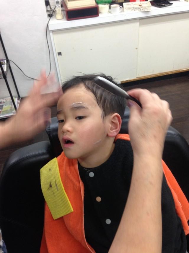 3歳のお子さんも、カット シェービングですっきりです! 小さいお子さんは産毛がたくさん生えてるのでシェービングするととても綺麗になりますよ!! 剃ったら濃くなる心配もありません(^-^)/