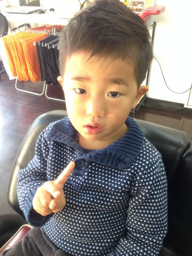 3歳の男の子です!ショートモヒ風に変身です(^-^)/ 保育士も完備しているので、ママパパも安心です(^-^)/
