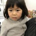 3歳の女の子です。 お兄チャンと一緒に来店してカワイく前髪をカットしました(^-^)/