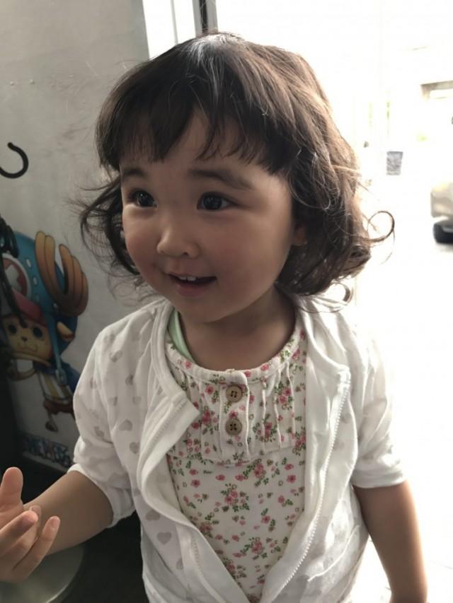くせ毛をいかして、ゆるふわボブスタイルです(^-^)/ お目めがクリクリでとても可愛いですね〜!!