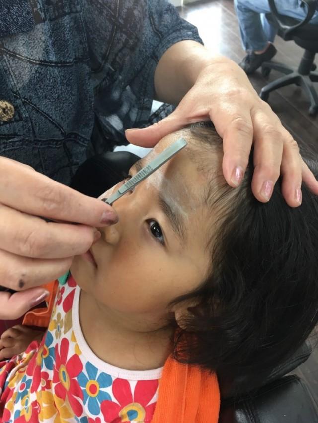 小さいお子さんのシェービングもやっております!! 剃ったら濃くなる心配をされる、ママさん パパさんが多いですが!! そんな心配はありますせん!!むしろ退化します!! 眉毛もスッキリして更に可愛いなりますよ〜(^-^)/