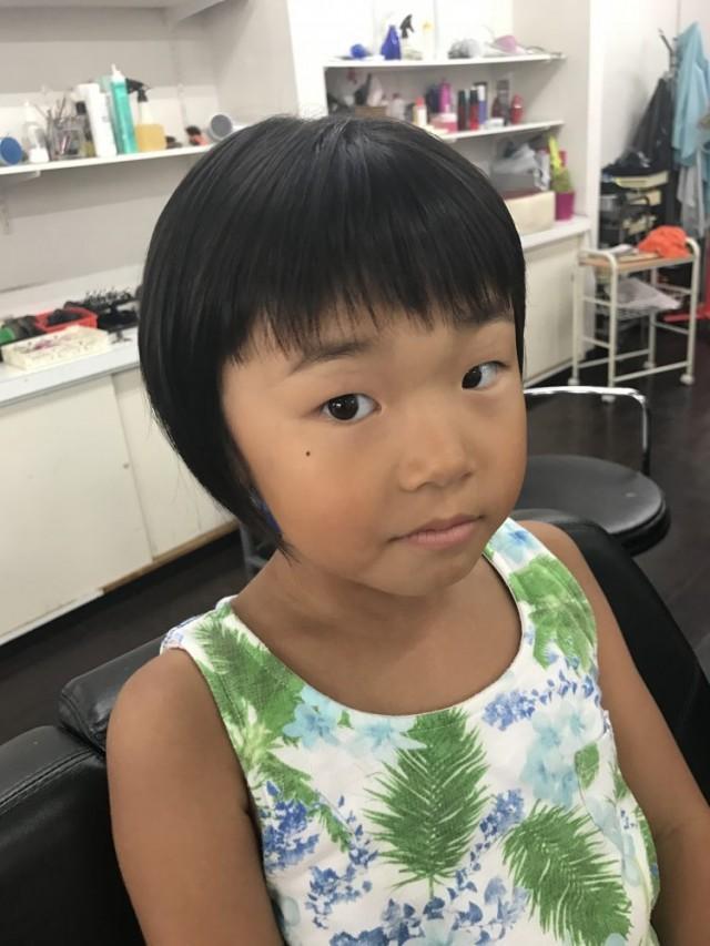 保育園児 5歳の女の子です。 前下がりボブに可愛いく変身です!! カット シェービング でお顔もスッキリです!!