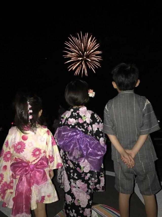14 15と連休をいただいて、沢山遊びに行かせてもらいました(^-^)/ 14日は、濃尾大花火大会に行って来ました!!