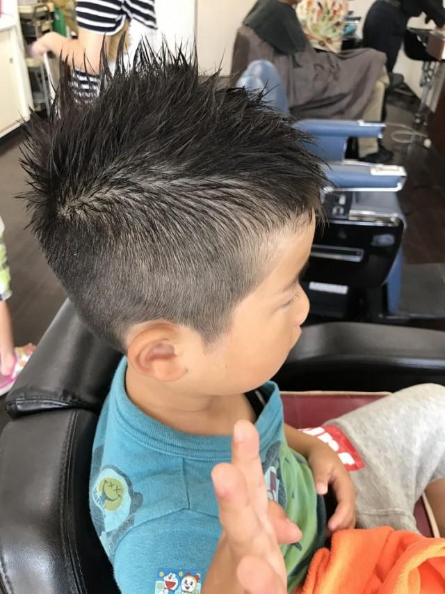 サイド バック もスッキリ 短く 刈り上てます! 運動会にぴったりな、スポーティなヘアスタイルです(^-^)/