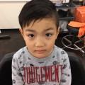弟君は ツーブロック アシメ スタイルです(^-^)/ 卒園式 用にちょっとファンキーにカッコ良いヘアスタイルに大変身です(^-^)/