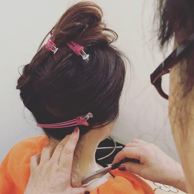結婚式 前撮り 成人式 をひかえてる方は是非(^-^)/ ブライダル シェービング ブライダルシェービング 顔剃り で更に綺麗に 結婚式準備 しませんが!? 脱毛 では届かに所まで出来ます(^-^)/