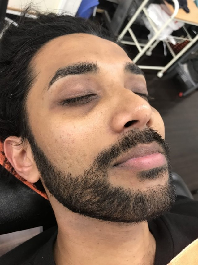 シェービング   顔そり お顔剃り 完了です!! スッキリ カッコ良くなったでしょー(^-^)/