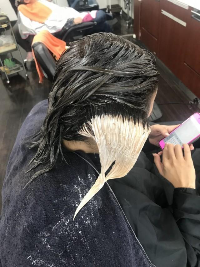 ブリーチ インナーカラー ハイライト を入れて、メリハリのきいたヘアスタイルに(^-^)/