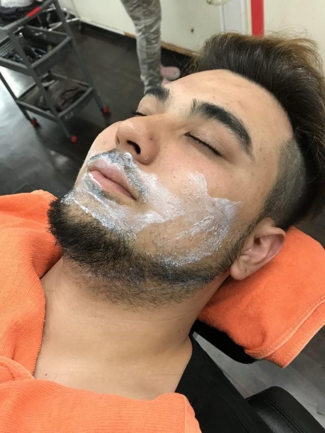 シェービング 顔そり 顔剃り で 髭をカッコ良くします!!