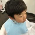 カット シェービング 顔そり 前の 小学生 の 男の子 チャンです!